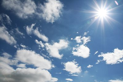 外壁や屋根の塗装工事が必要な時期・最適な季節をご紹介